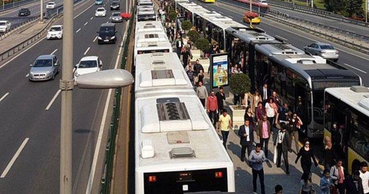 İstanbullular dikkat! Metrobüs kilit oldu...