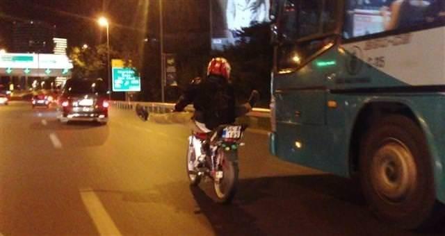 İstanbul'da tehlikeli akrobasi