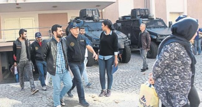 İzmir'de yakalanan bombacılar tutuklandı