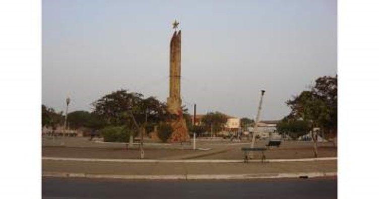 Gine'de yolcu otobüsü tırla çarpıştı: 20 ölü