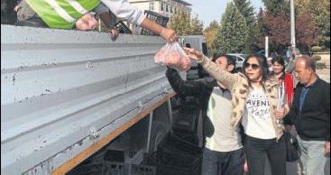 20 ton nar yarım saatte tükendi