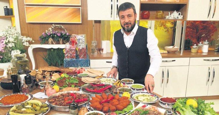 Geleneksel lezzetler eşliğinde iftar mönüsü
