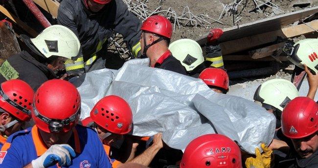 Okul inşaatında göçük: 1 ölü, 1 yaralı
