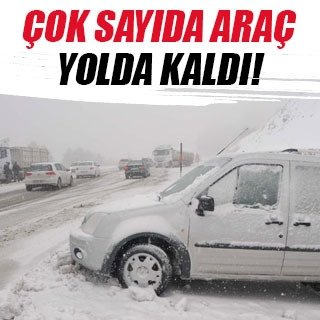 Kar esareti başladı, onlarca araç yolda kaldı
