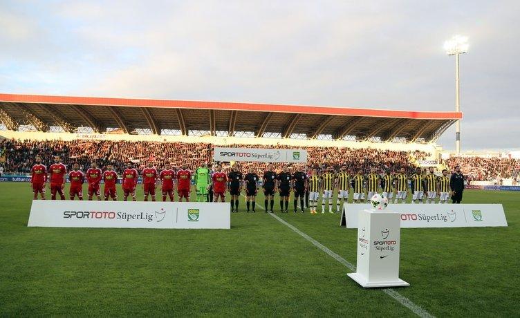 Sivasspor - Fenerbahçe maçının fotoğrafları