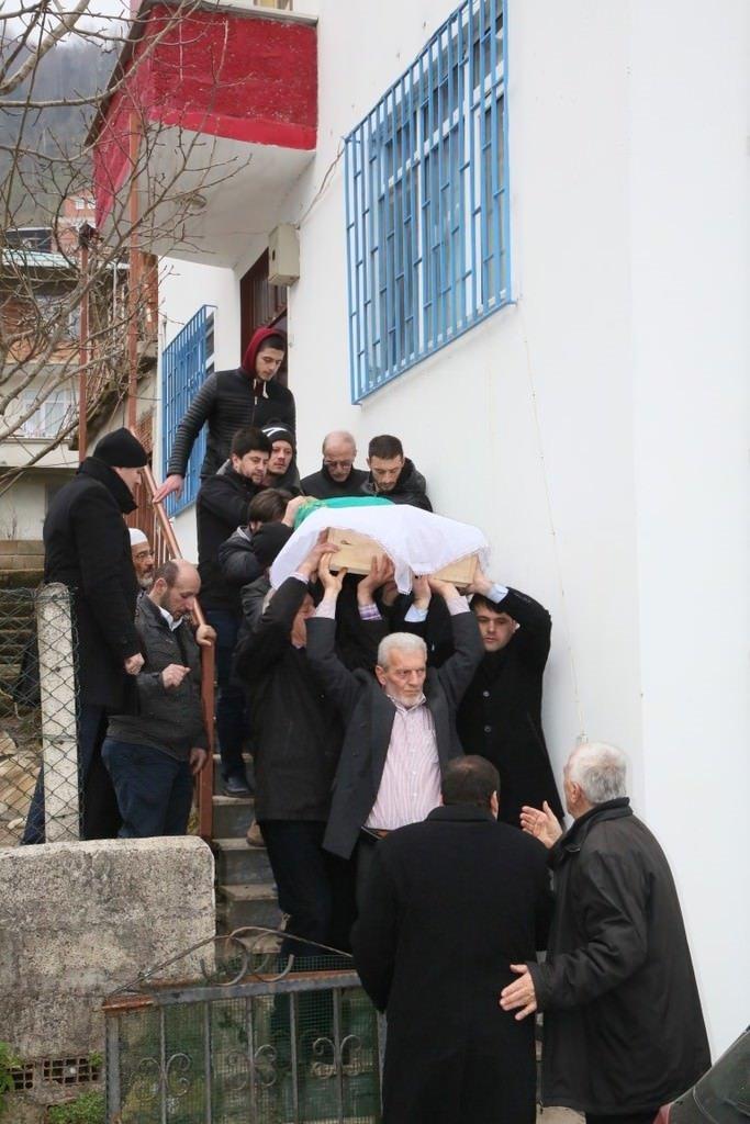 Sadık Albayrak'ın annesi son yolculuğuna uğurlandı