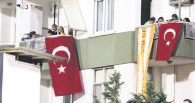 Aslan Adana'da yalnız kalmadı...