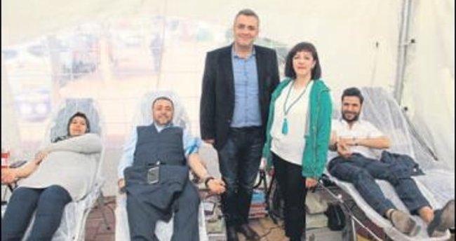 AK Parti'den kan bağışı etkinliği