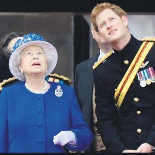 """""""Kraliyet'e babaannem için katlanıyorum"""""""