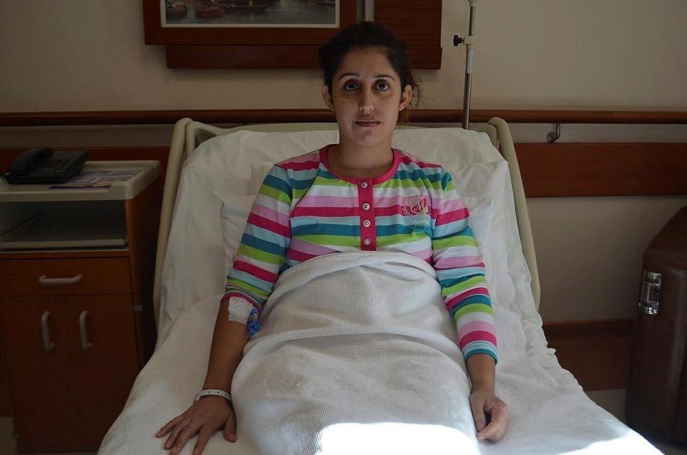 Burun ameliyatında genç kızın kalbi durdu!