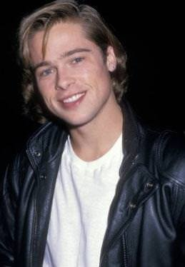 Brad Pitt saçlarıyla oynamayı çok seviyor