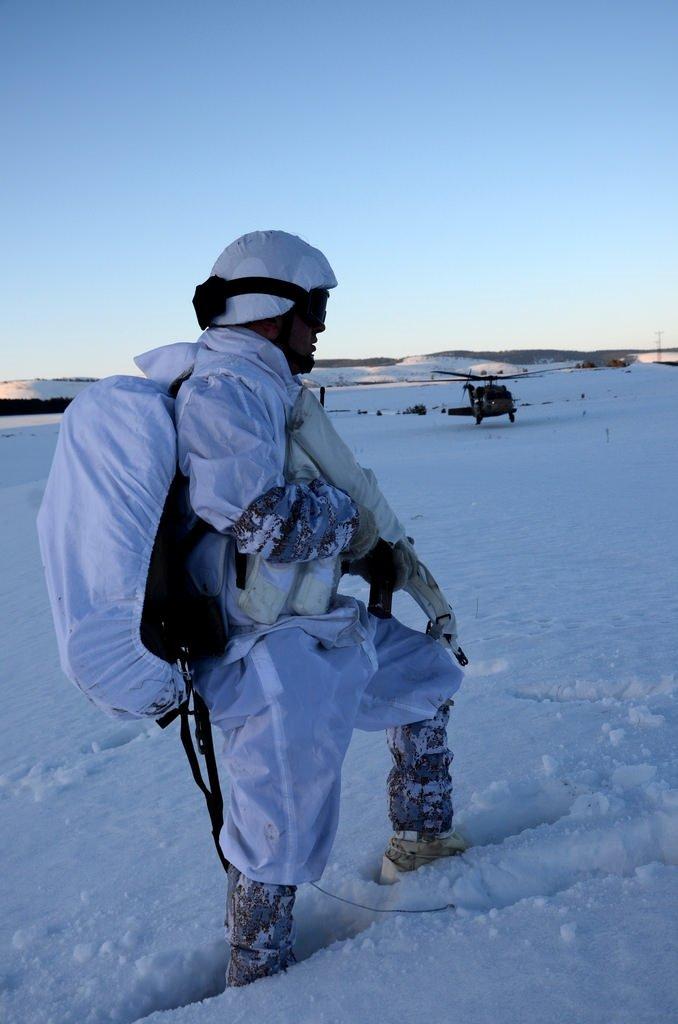 Komandoların zorlu kış eğitimi