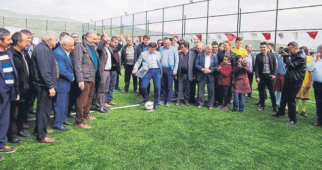 Ödemiş'in 2 yeni halı sahası Dağ'ın penaltı atışıyla açıldı