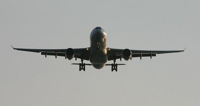 Çin'de yolcu uçakları 15 dakikada bir konum bildirecek
