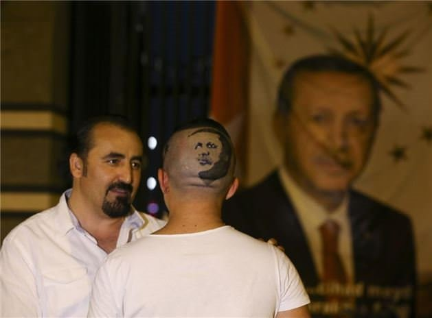 Rekortmen berberden Erdoğan portresi