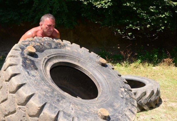 57 yaşında 300 kiloluk lastikle çalışıyor!