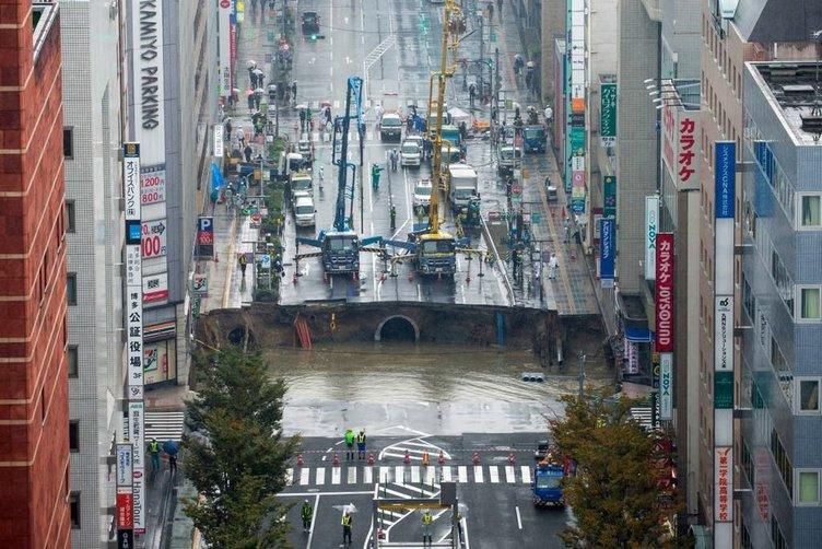 Japonya'da büyük göçük bir hafta onarıldı