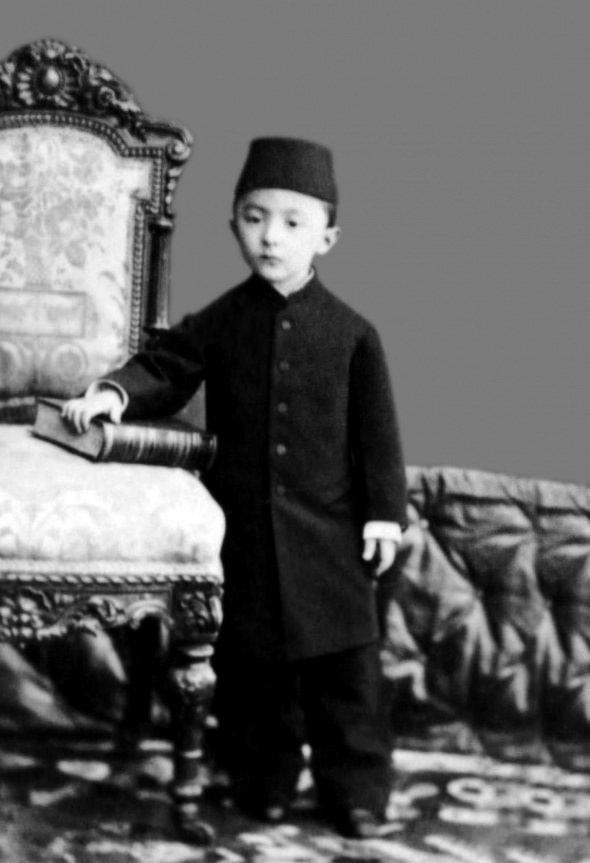 İşte Sultan 2. Abdülhamid'in aile albümü