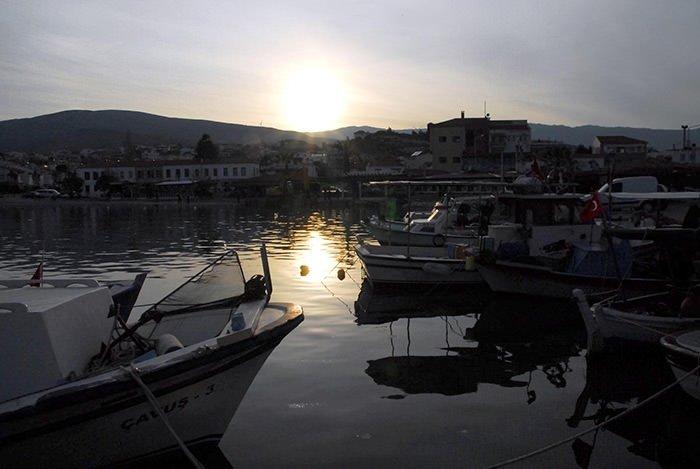 İzmir'in şirin ilçesi turist bekliyor