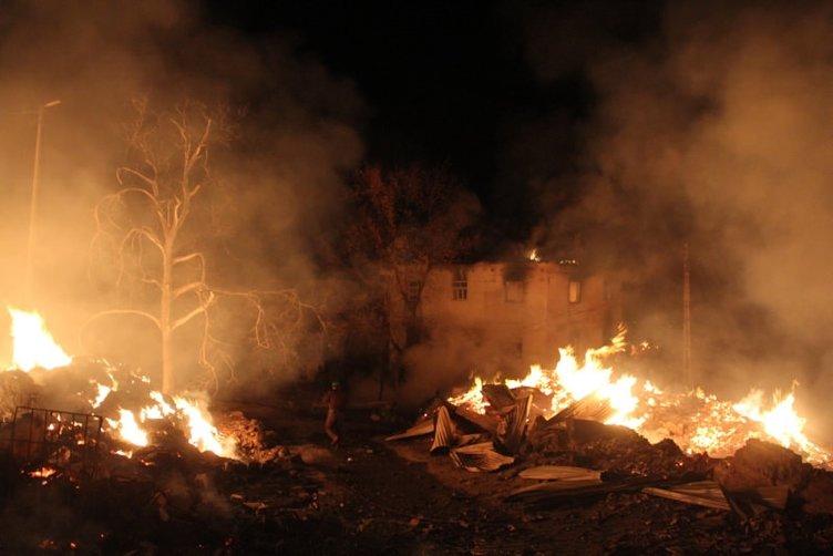 Çorum'da 29 ev kül oldu