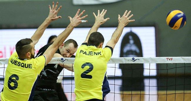 Fenerbahçe filede Beşiktaş'ı mağlup etti