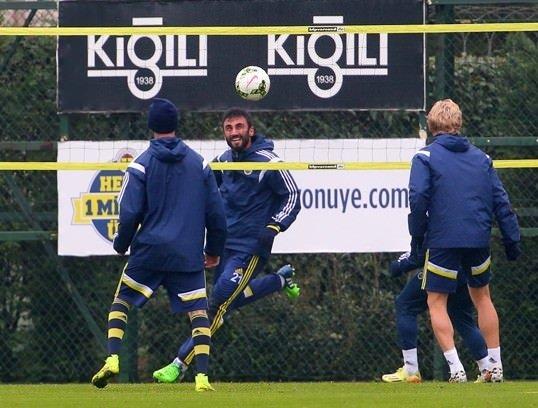 Aziz Yıldırım Fenerbahçe idmanında