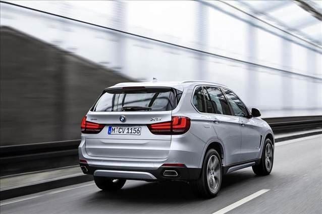 Bu BMW 100 km'de 3.3 litre yakıyor