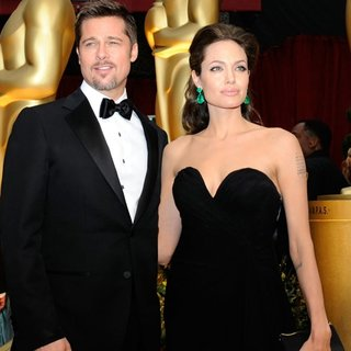 Angelina Jolie ve Brad Pitt'in evliliğini İlluminati mi bitirdi?