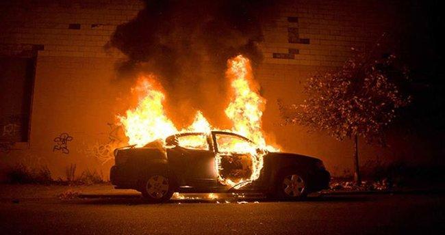 PKK'lılar araç kundakladı!