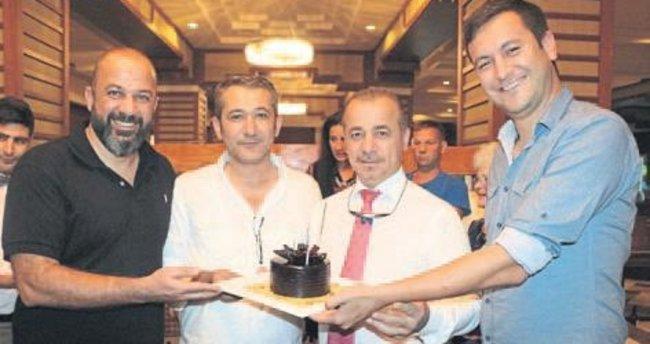 Genel müdüre sürpriz kutlama