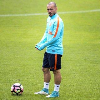 'Sneijder aldığı parayı hak etmiyor'