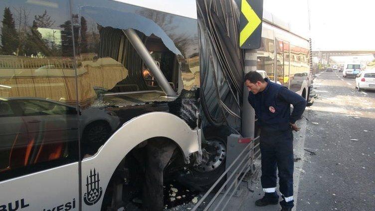 Bayrampaşa'da metrobüs kazası