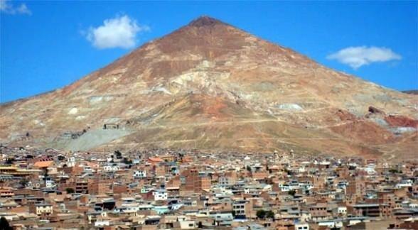 İnsan yiyen dağ