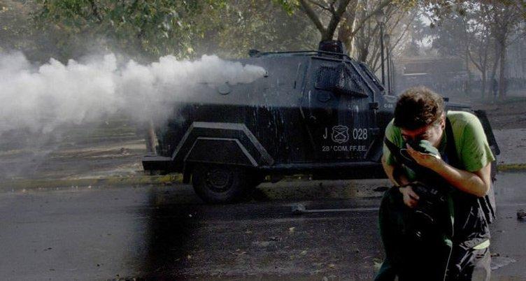 Şili'de öğrenciler sokakta