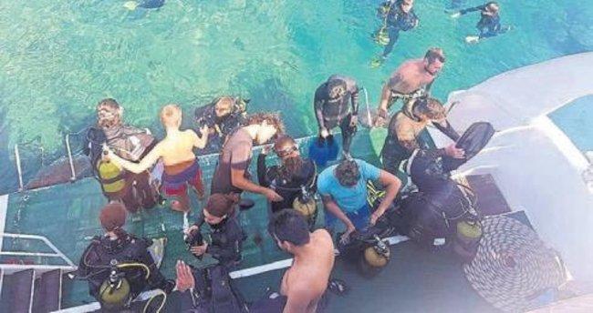 Tatilciler mavi dünyayla tanıştı