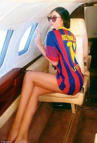 Neymar dayanamadı, modeli jetiyle aldırdı