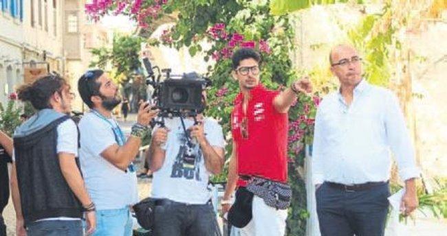 Hintli filmciler İzmir'de klip çekti