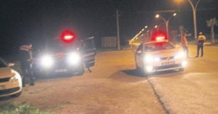 Sürücü polise çarpıp kaçtı