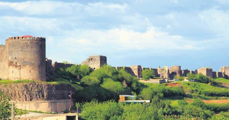 Diyarbakır'da halka hizmet zamanı