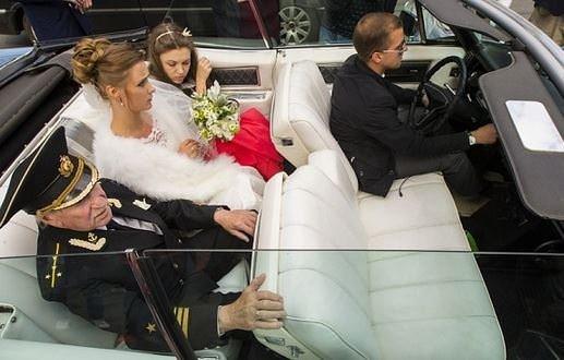 Torunu yaşında kızla evlendi