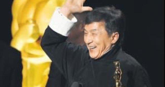İlk Oscar Jackie Chan'a
