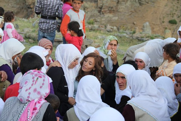 Melek'i kadınlar uğurladı