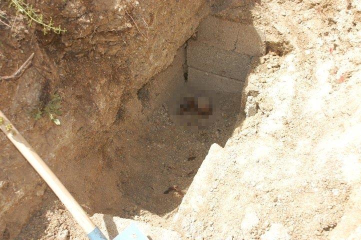 Mezarı açıp 30 yıllık cesedi taşımak istediler