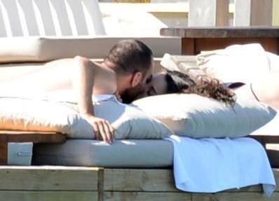 Sercan Yıldırım ve sevgilisi Tuvana Türkay dudak dudağa