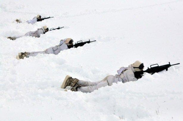TSK'nın 'Kış Tatbikatı' nefes kesti