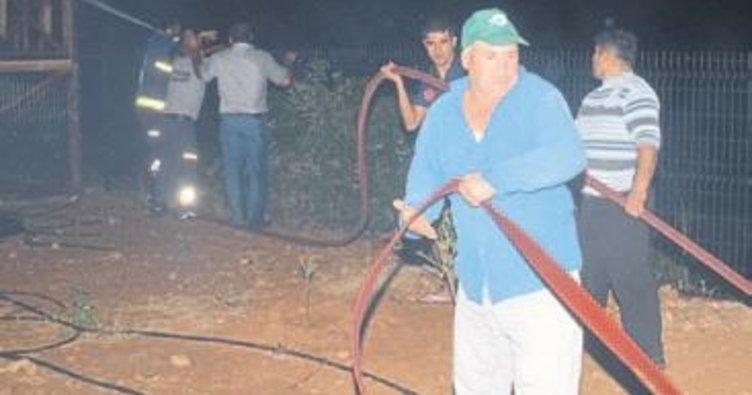 Serik'te alevler arazileri kül etti