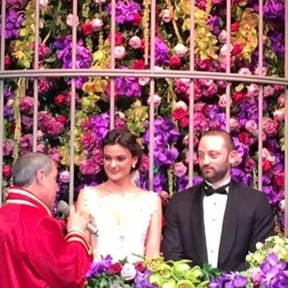 Sürpriz bir nikahla dünya evine girdiler