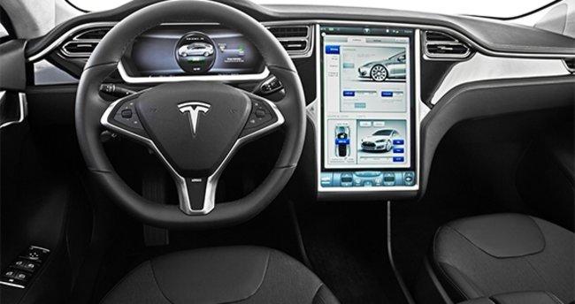 Tesla Enhanced Autopilot hazır