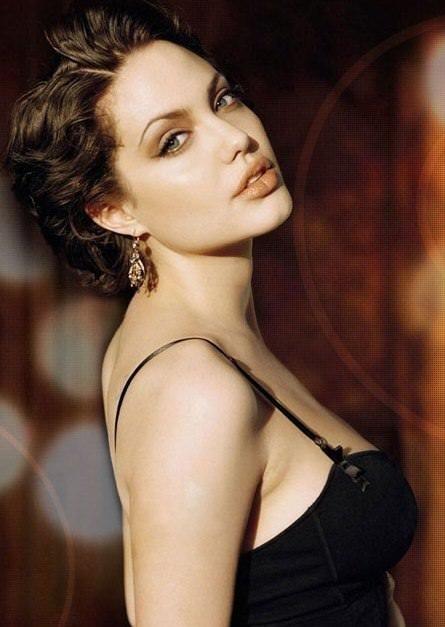 Kansere yakalanan Angelina Jolie tanınmaz halde