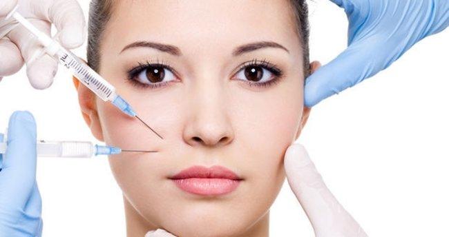 Botoks ve dolgu enjeksiyonuyla yüz estetikleri